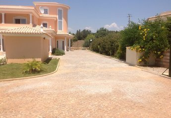 6 bedroom Villa for rent in Silves