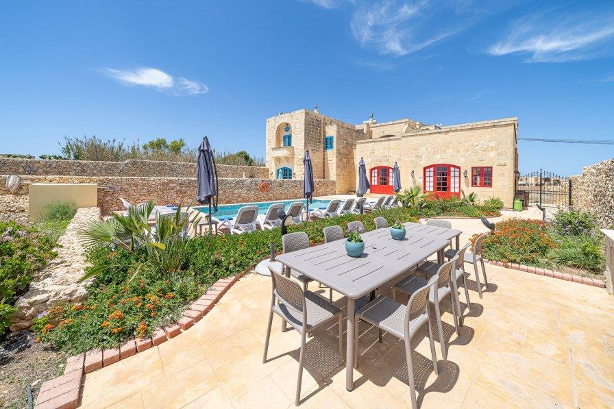 Farm house in Malta, San Lawrenz