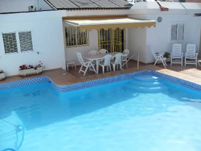 Villa in Spain, Playa del Ingles: Private solar heated pool