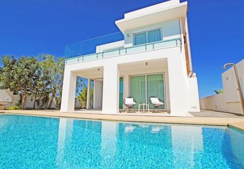 2 bedroom Villa for rent in Protaras