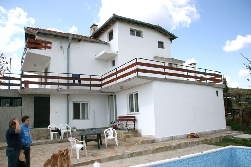 Villa in Bulgaria, Nesebur: Back site house with swimming pool