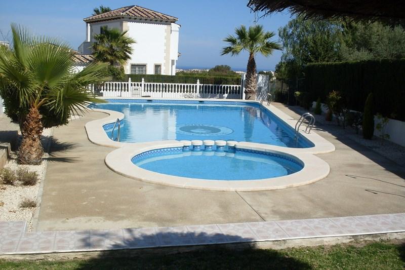 Apartment in Spain, Villamartín: Large communal pool in the La Violetas, Villamartin