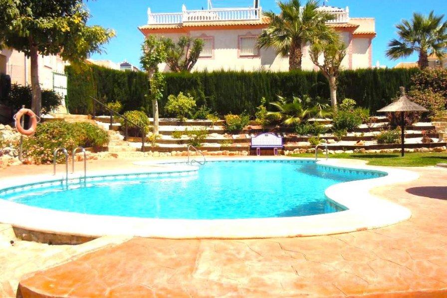 House in Spain, Las Piscinas: