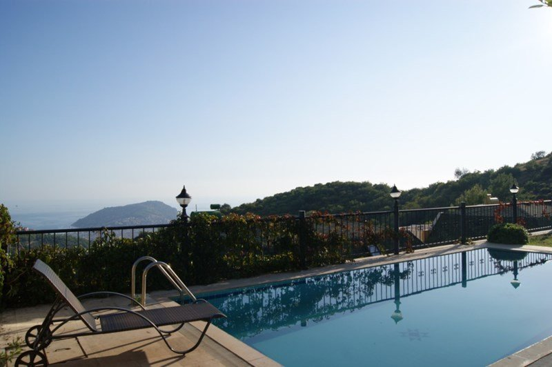 Villa in Turkey, Alanya: Relax by your private pool with stunning views in Alanya, Turkey.