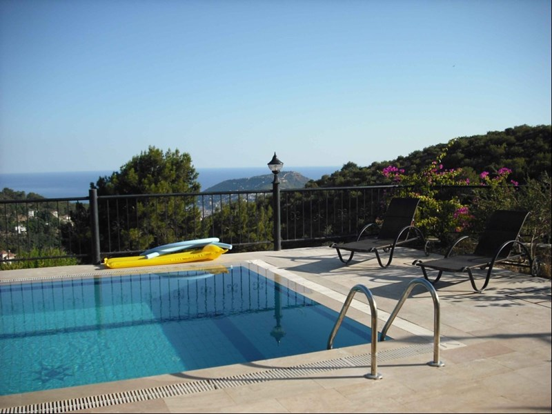 Villa in Turkey, Alanya city centre: Relax by by the pool and take in that view at Dream villas, A..