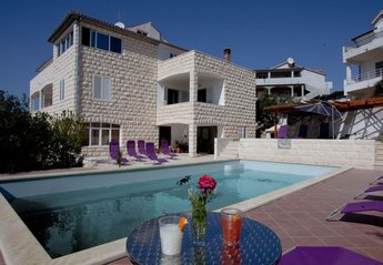 3 bedroom Apartment for rent in Hvar
