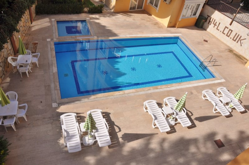 Apartment in Turkey, Alanya city centre: Large pool and childrens pool too...Panorama Apartments, ..