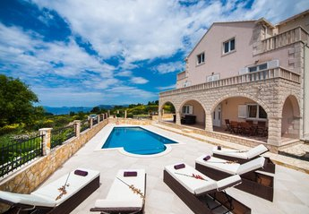 Villa in Croatia, Cavtat: Villa with pool