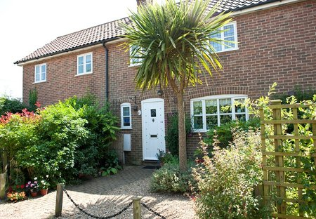 Cottage in Friston, England: Front of Cottage