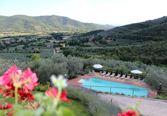 6 bedroom Villa for rent in Castiglion Fiorentino
