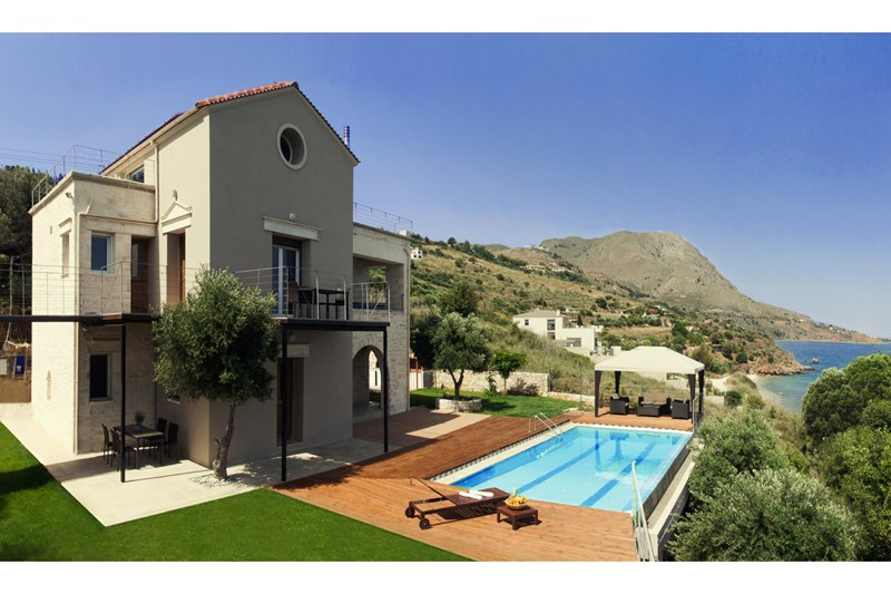 Villa in Greece, Megala Chorafia: Private Overflow Swimming Pool with Water Jet