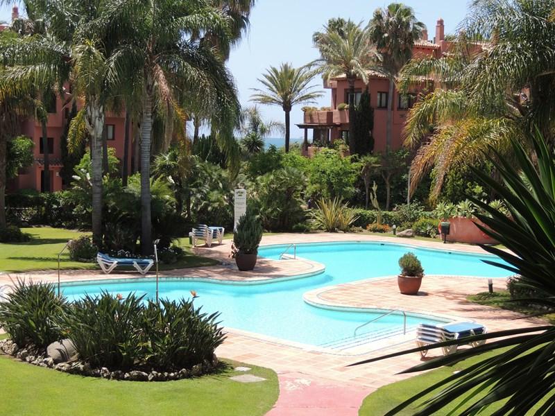 Apartment in Spain, Los Monteros: Urbanisation Alicate Playa