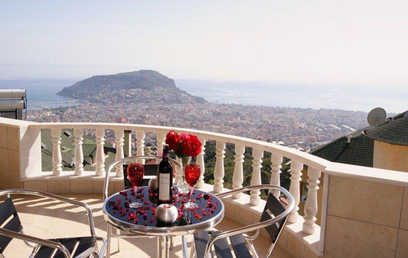 Villa in Turkey, Alanya: Breathtaking views at this breathtaking villa in Turkey.