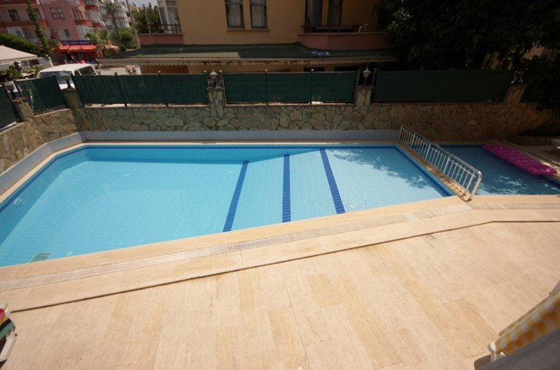 Apartment in Turkey, Alanya city centre: Relax by the pool at your apartment at Claddagh Court, Al..