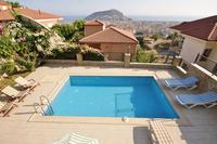 Villa in Turkey, Alanya city centre: Imagine, relaxing with your family in the pool with breathtak..