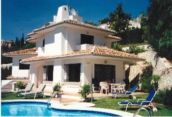Villa in Spain, Fuengirola: VILLA CORRIB