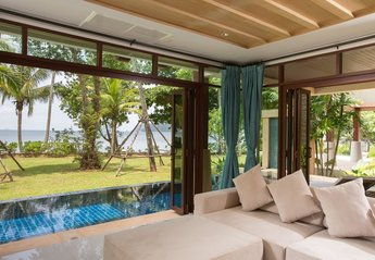 Villa in Thailand, Ao Nam Mao: Living room with sea view