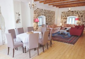 Soca Valley Berg House - Sleeps 10 with 4 Bedrooms & 4 Bathrooms