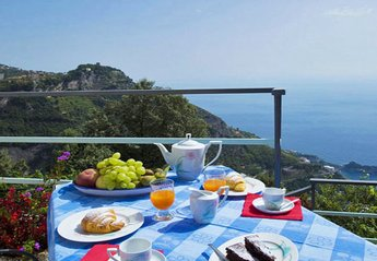Apartment in Italy, Furore: 01 Alba private terrace with sea view