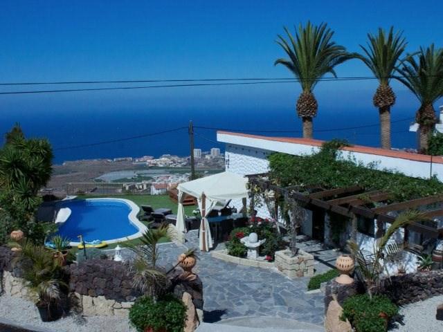 Villa in Spain, Tenerife: Unique detached holiday villa