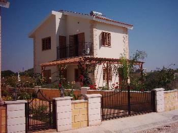 Villa in Cyprus, Ayia Thekla: Sunset Villa Ayia Thekla, Front of Villa