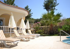 VILLA TOPHILL (FREE RENTAL CAR OR AIRPORT TRANSFER)
