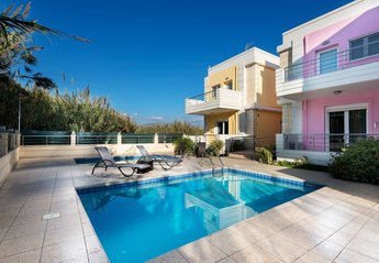 2 bedroom Villa for rent in Platanias