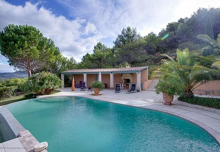 Villa in Cessenon-sur-Orb, the South of France