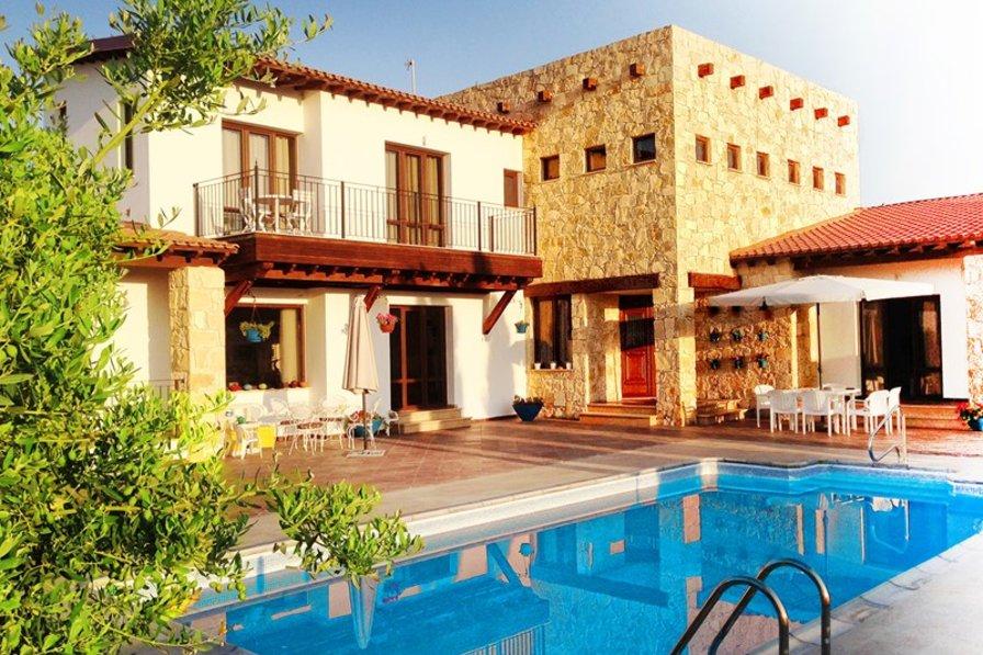 Villa in Cyprus, Pissouri