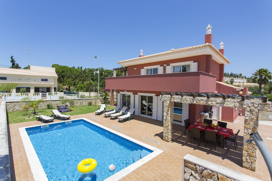 Villa To Rent In Cali 231 As Algarve With Private Pool 179795