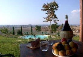 Casa Aurora (Sleeps 6) - Siena, Asciano. Countryside villa w/pool