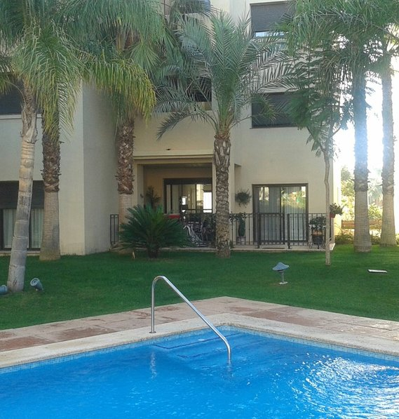 Luxury 2 bed 2 bath ground floor apt. 10metres from pool. Phase2