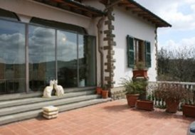 Villa Olivia (Sleeps6+2) Signa, Florence, Tuscany. Private pool !