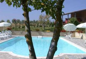 Podere il Moro (sleeps 2) Sovicille, Siena Tuscany. Pool and View
