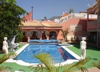 Villa in Spain, Callao Salvaje: The stunning 12 x 5 metre private heated pool