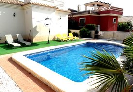3 Bedroom Holiday Villa Rental in El Oasis