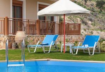 Villa in Greece, Vrises