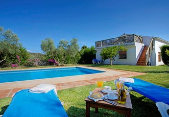Villa in Spain, EL CHORRO, ÁLORA: Secluded 3 bed rustic villa, private pool, mountainside location