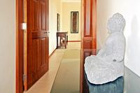 Villa in Mauritius, Trou Aux Biches: Hallway and entrance to Master Bedroom