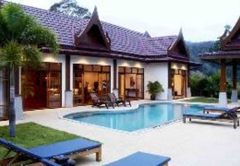 2 bedroom Villa for rent in Patong