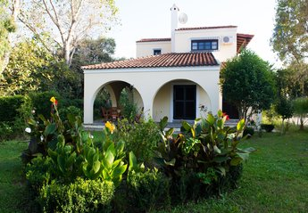 Villa in Greece, Acharavi: Villa Georgina in the middle of a large Mediterranean garden