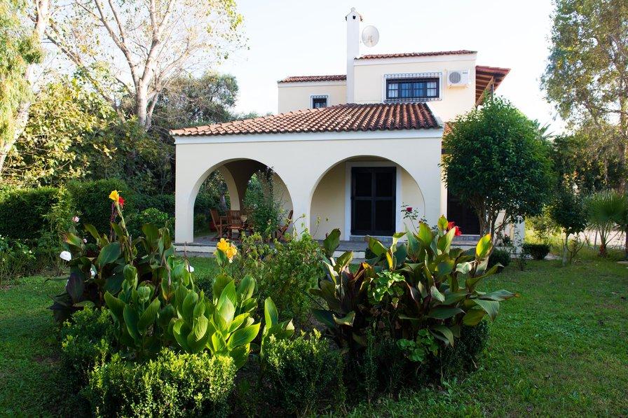 Villa in Greece, Acharavi