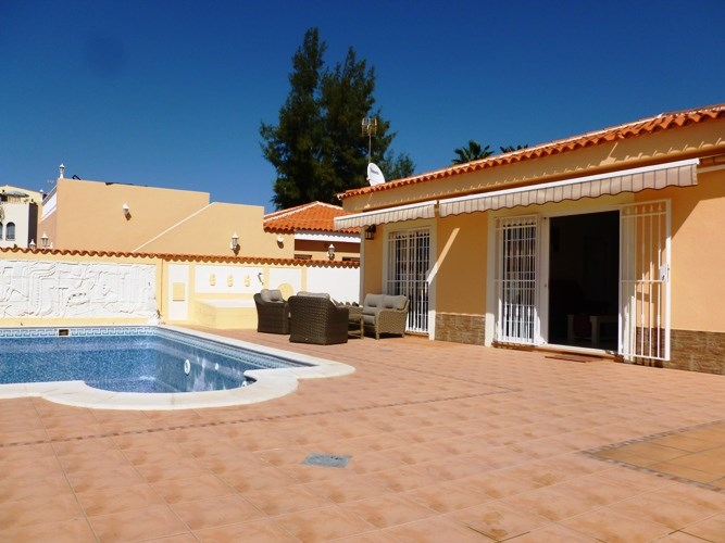 Villa in Spain, Callao Salvaje: Gorgeous pool area