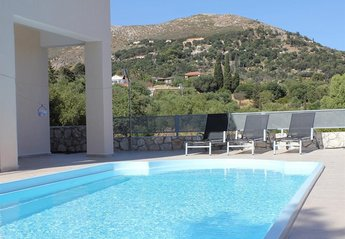4 bedroom Villa for rent in Skala