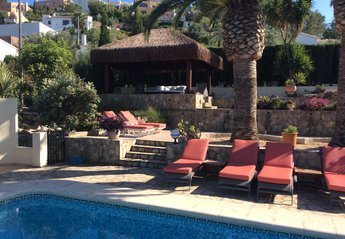 4 bedroom Villa for rent in Orba