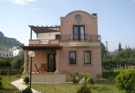New Listing 3 bed villa only 2 minutes to the beach