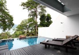 Oceanfront luxury serviced pol villa