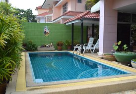 Villa View with private pool, 1.200 meters from the beach