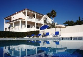 Villa with 10 bedrooms and pool located in Albufeira Algarve