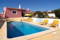 Casa Dos Avos, cosy two bedroom villa close to amenities